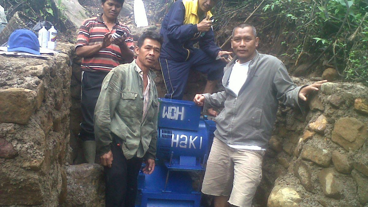 Membangun Energi Mikrohidro di HKm Mulak Lestari  KabupatenLahat