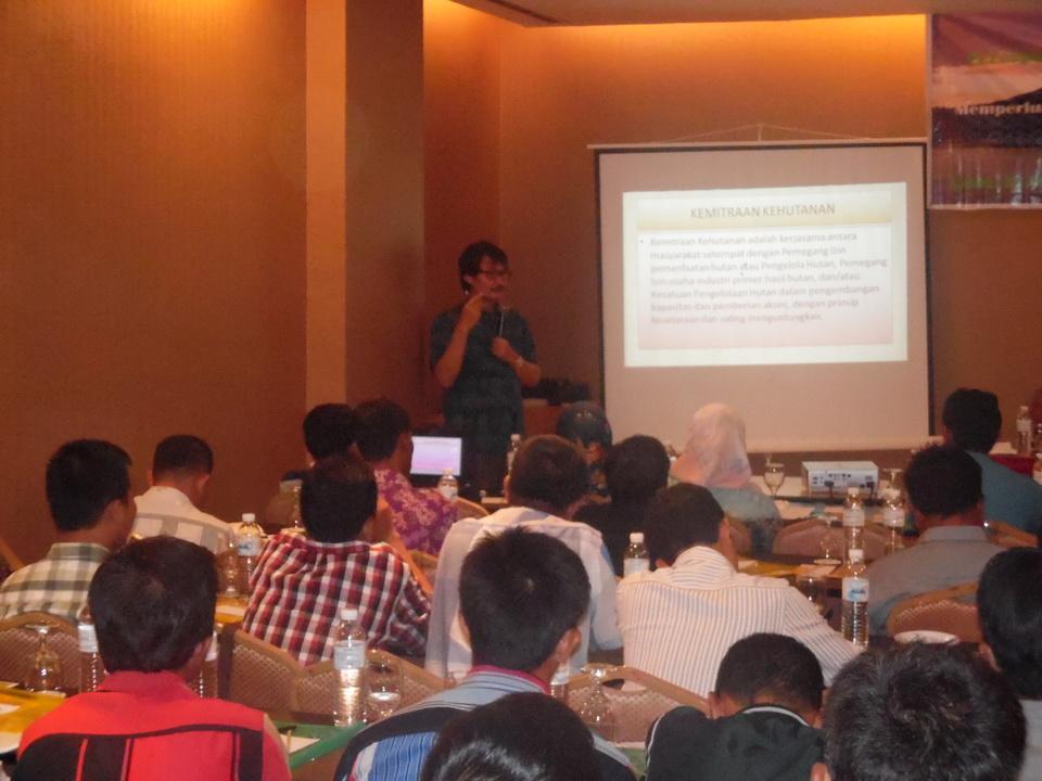 Direktur Perhutanan Sosial Kementerian Lingkungan Hidup dan Kehutanan BAPAK  IR. AGUS ISNANTIO