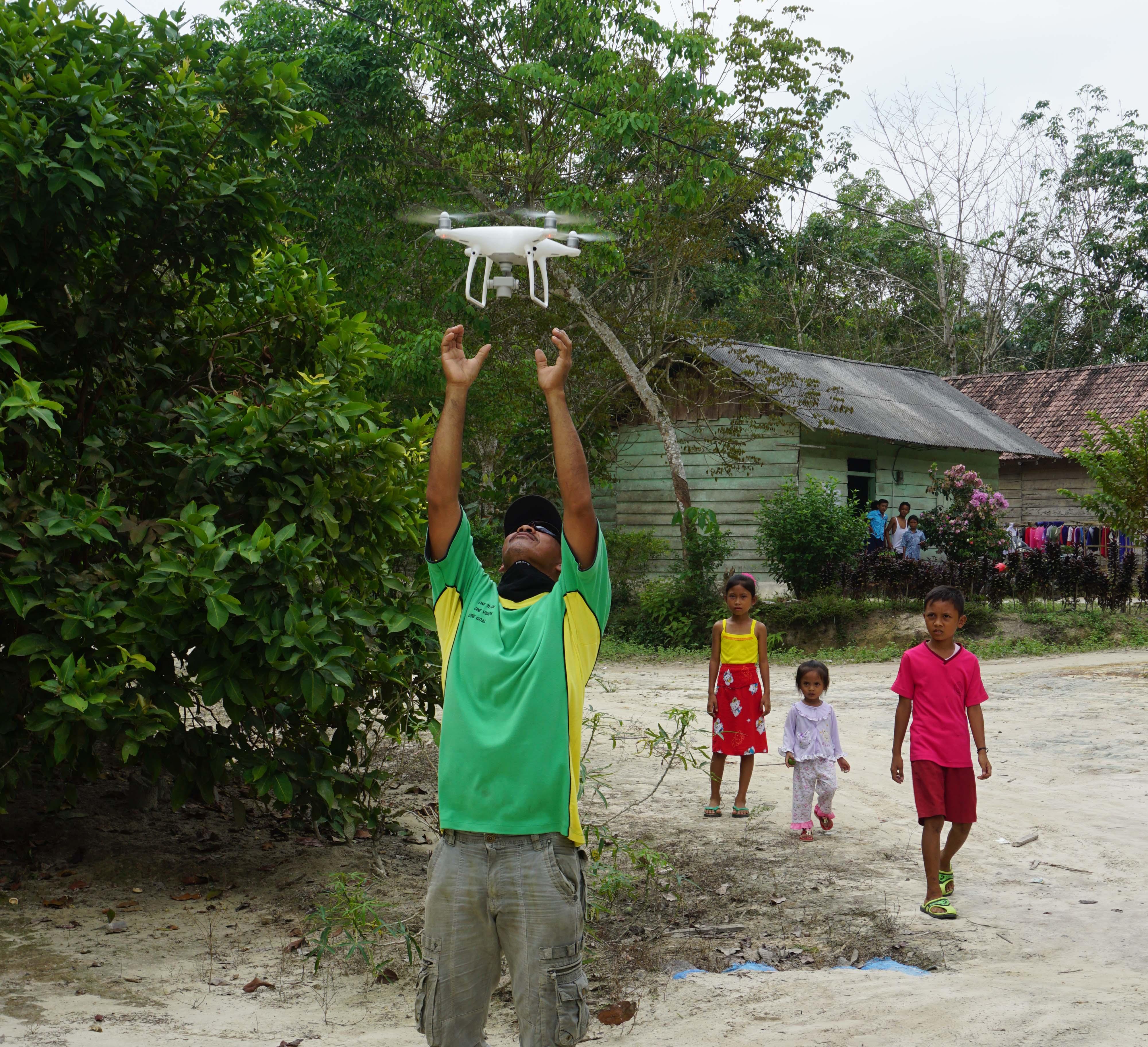 Pemetaan Tata Guna Lahan Bersama Masyarakat di desa Pulai Gading
