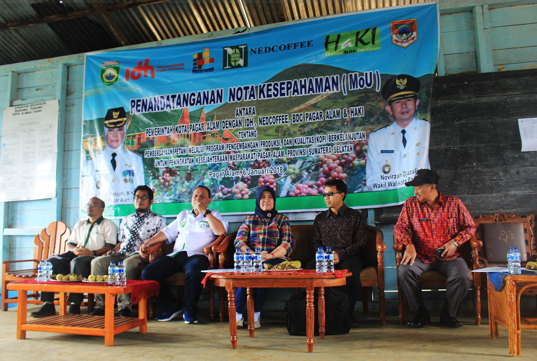 Penandatangan Nota Kesapahaman (MoU) Dalam Rangka Pengembangan Produksi dan kualitas kopi berkelanjutan di Pagaralam